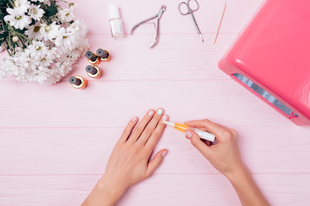 Czerniak paznokcia czy hybrydy na paznokciach są bezpieczne?