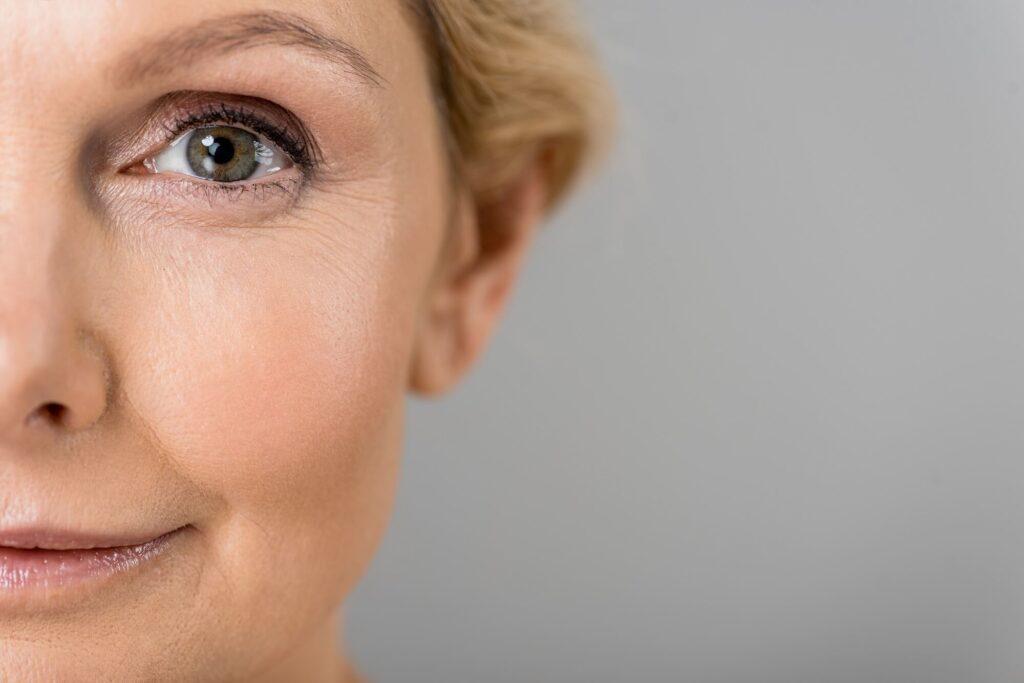 Jak stosować retinol? Najważniejsze zasady